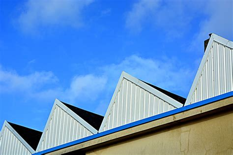pourquoi les toits dusines sont ils en dents de scie
