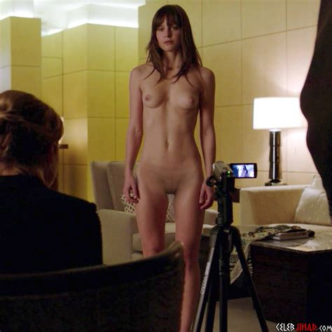 Melissa Benoist Fully Nude Behind The Scenes Outtake