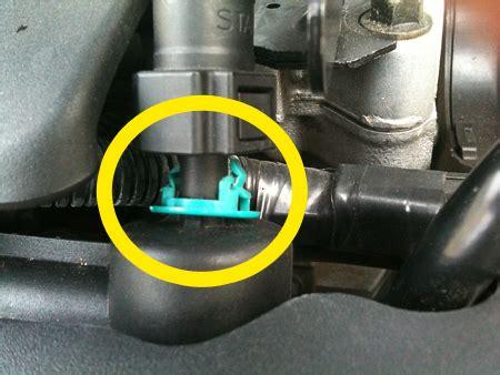 plastic clip  fuel   fuel pressure regulator