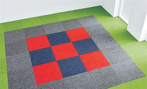 teppichfliesen selbstklebend verlegen teppichfliesen selbst verlegen steinboden teppichboden