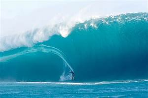 13 Big Wave Surfing Pictures | Cool Things Collection
