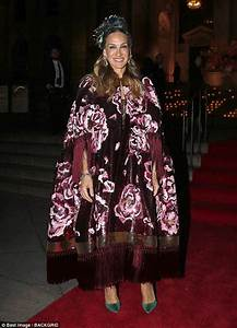 Sarah Jessica Parker stuns in floral cape at Dolce ...