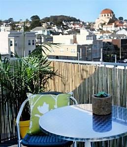 Kleiner Balkon Möbel : bambus balkon sichtschutz gestaltung ideen im feng shui stil ~ Sanjose-hotels-ca.com Haus und Dekorationen