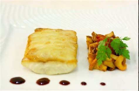 cuisiner l omble chevalier recette omble chevalier en écailles de pommes de terre