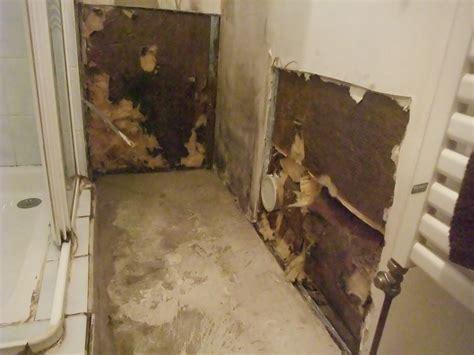 salle de bain humide salle de bain humide que faire la salle de bain le cassette de luisolation with salle