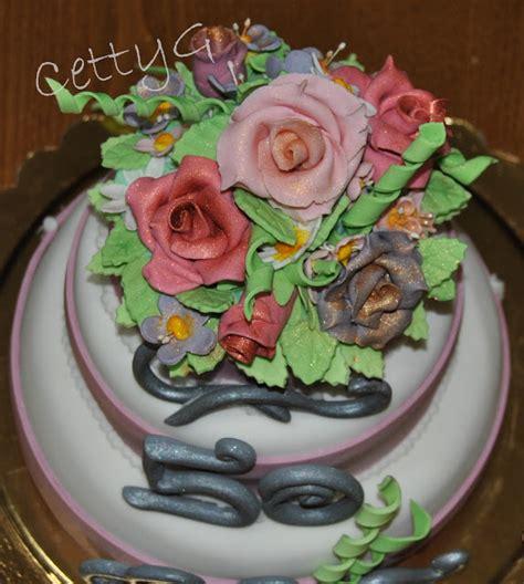 Torta A Tre Piani 50 Anni In