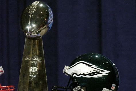 eagles   favored  win  super bowl  carson