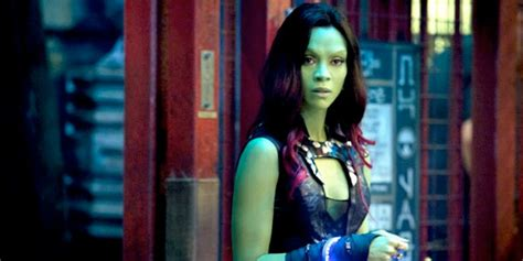 zoe saldana nabs starring role   comic book