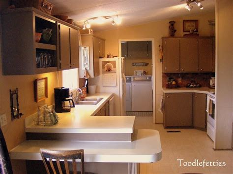 updated kitchen cabinets 1000 images about mobile homes on wide 3085