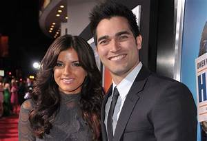 Is Tyler Hoechlin Married? The Untold Truth About His ...