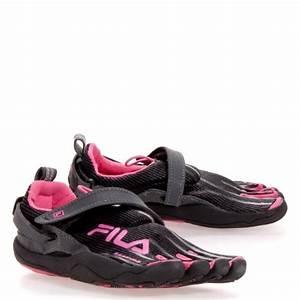 Kidu2019s Fila Skeletoes 20 Slide Sneakers Black 3 M Best