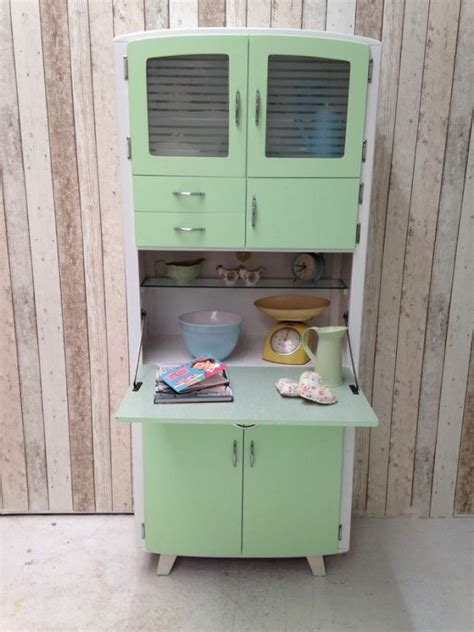 antique green kitchen cabinets arm 225 de cozinha antigo como us 225 los na decora 231 227 o 4091
