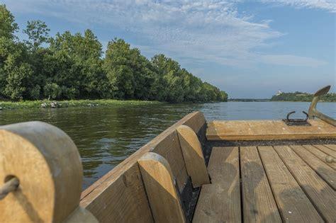 chambres d hotes florent bateau promenade traditionnel vent d 39 soulair mauges sur loire