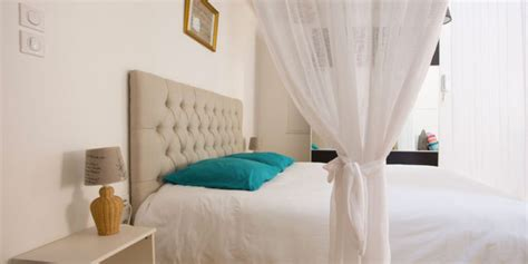 chambres d hotes pezenas hotel et hébergement séjour au coeur historique de pézenas
