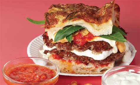 shake shack partners  popular  york city pizzeria