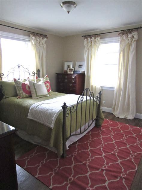 touch  gray guest bedroom rug