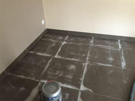 carrelage ou beton cire sol b 233 ton cir 233 b 233 ton cir 233 sur carrelage sols techniques du sud