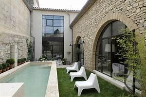 1000 idees sur le theme maisons exterieurs de pierre sur With good amenagement de jardin avec piscine 5 photo maison provencale pierre
