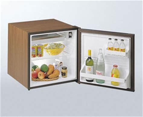 petit frigo de bureau réfrigérateur bar infos et prix des réfrigérateurs bar