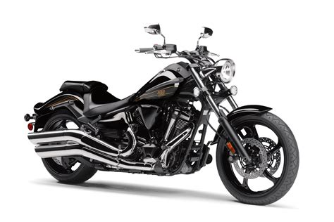 101316-yamaha-2017_raider_black_3