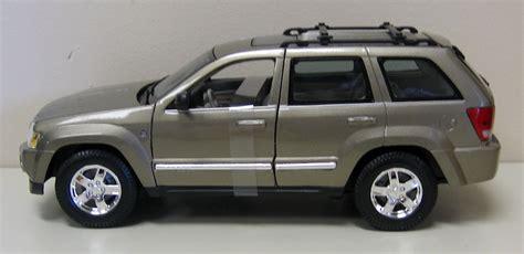 toy jeep cherokee 2005 jeep grand cherokee diecast model car suv truck 1