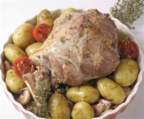 cuisiner un gigot d agneau gigot d agneau aux pommes de terre primaline