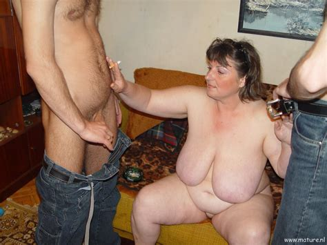 Amateur Mature Threesome Cumception