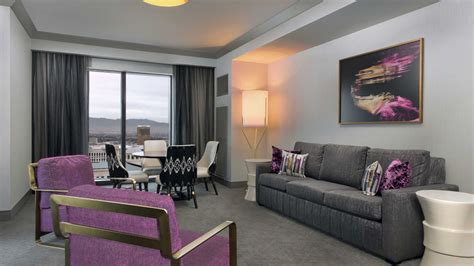 las vegas luxury hotel rooms  suites  cosmopolitan