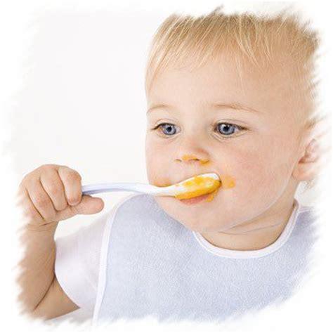 bebe tient assis tout seul b 233 b 233 veut manger tout seul тσυт ρσυя вέвέ αsтυ 162 є ιηƒσ ι έє ιs 162 υssιση
