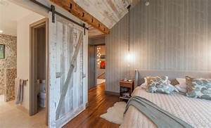 50 ways to use interior sliding barn doors in your home for Barn doors for inside your home