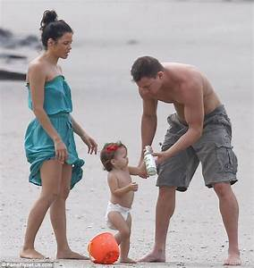Quality Time With Family: Channing Tatum show dads how to ...