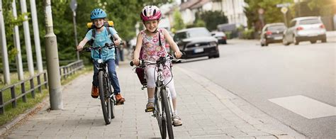 sicher fahrradfahren  kinder beachten sollten adac