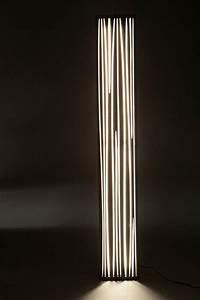 Luminaire Salon Design : lampadaire design salon lampe salon moderne marchesurmesyeux ~ Teatrodelosmanantiales.com Idées de Décoration