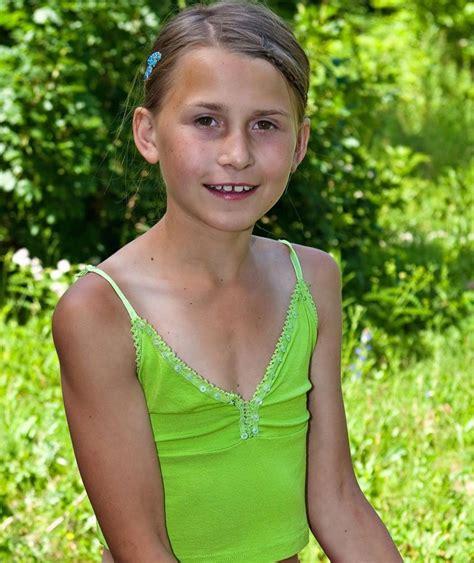 School Models Paula Custom