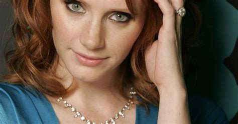 actress in jurassic world jurassic world movie actress bryce dallas howard photos
