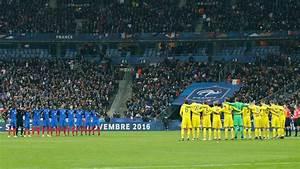 France Suede 13 Novembre 2016 : video france su de l 39 mouvante minute de silence au stade de france l 39 express ~ Medecine-chirurgie-esthetiques.com Avis de Voitures