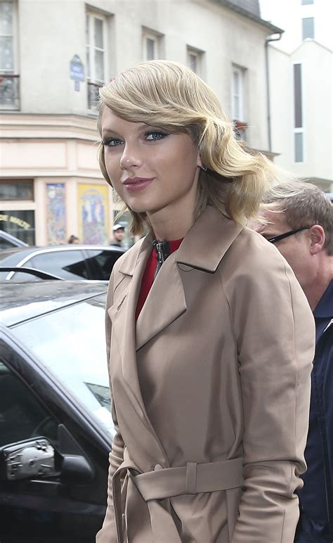 Taylor Swift at Europe 1 Radio Station in Paris - October ...