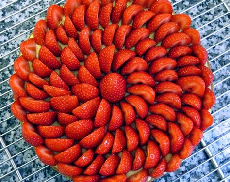 decoration tarte au fraise et banane