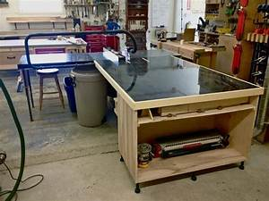 outfeed table - cabinet with leveler feet WOODSHOP
