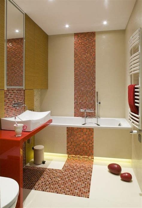 Badezimmer Fliesen Orange by Kleines Bad Badewanne Fliesen Farben Mosaik Orange Creme