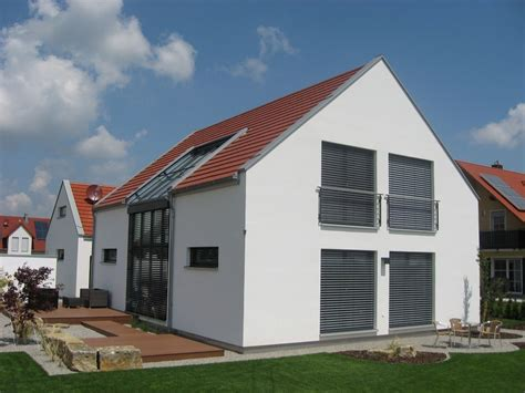 Moderne Häuser Fenster by Einfamilienhaus Modern Holzhaus Satteldach Galerie