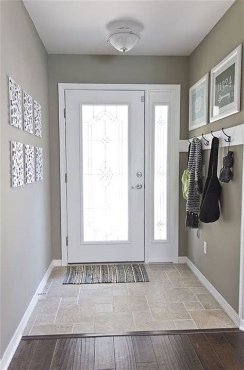foyer paint color for the home entryway flooring