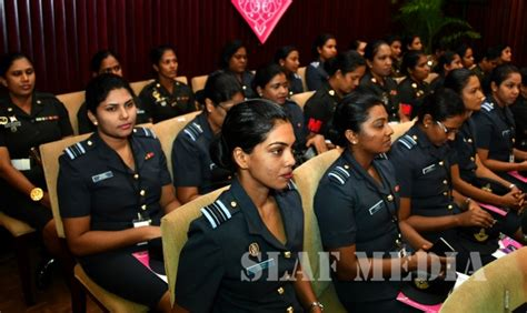 commander attends   army womens corps symposium