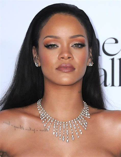 Rihanna's boldest beauty looks   Photo 11