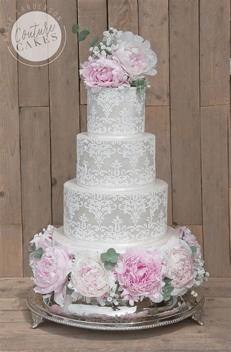 tiered wedding cakes  stamford lincolnshire