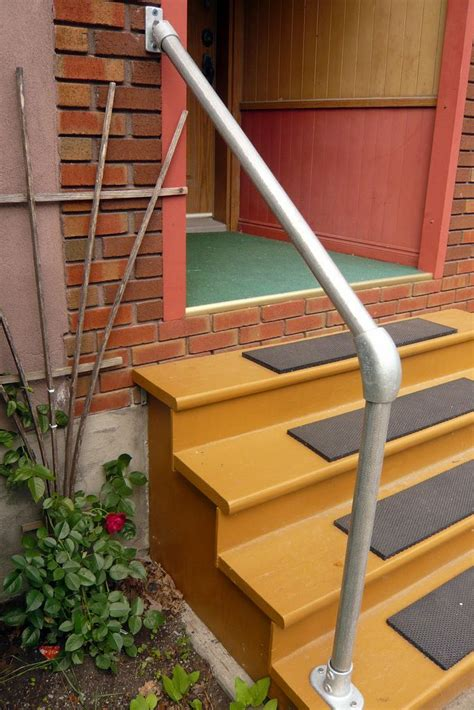 Outdoor Banister Railing by Best 25 Outdoor Stair Railing Ideas On Deck