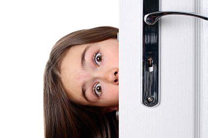 Bedroom Door Closes By Itself by How To Fix Interior Doors That Do Not Ehow