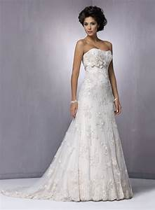 Strapless lace beach wedding dress ipunya for Lacy wedding dresses