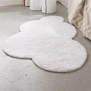 Tapis Forme Nuage : tapis blanc pour une maison harmonieuse et l gante ~ Teatrodelosmanantiales.com Idées de Décoration