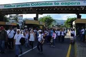 Impactantes Fotos Que Dejan En Rid U00edculo A La  U201crevoluci U00f3n U201d Chavista  Venezolanos Cruzando La